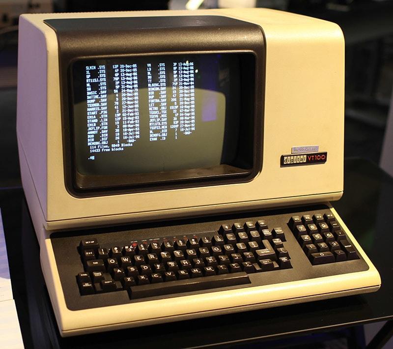 VT100, который (опять же — вероятно) использовался в качестве терминала для доступа к функциям Therac-25