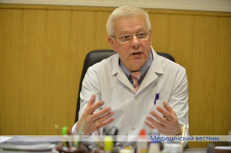 Николай Юровский возглавляет Городскую клиническую инфекционную больницу Минска с 2003 года.