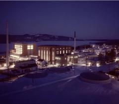 Научный комплекс Chalk River Laboratories, Канада. Здесь расположен Национальный исследовательский универсальный реактор Фото: Enformable